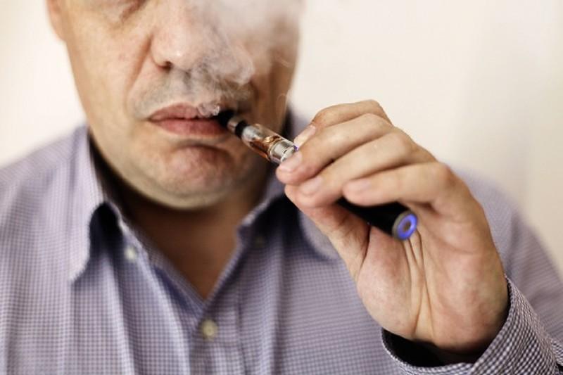Le multinazionali del tabacco puntano sulle sigarette elettroniche