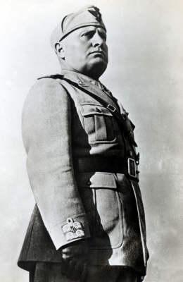 Varese, Benito Mussolini resta cittadino onorario. Respinta mozione del Pd